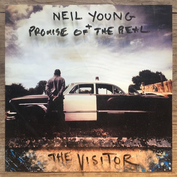 Copertina Vinile 33 giri The Visitor [2 LP] di Neil Young + Promise Of The Real